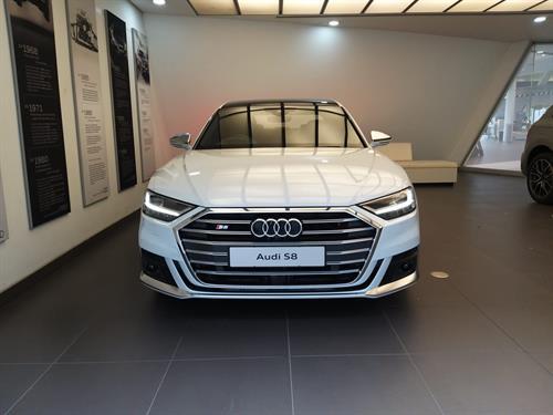 Audi S8 4.0 Quattro Tiptronic
